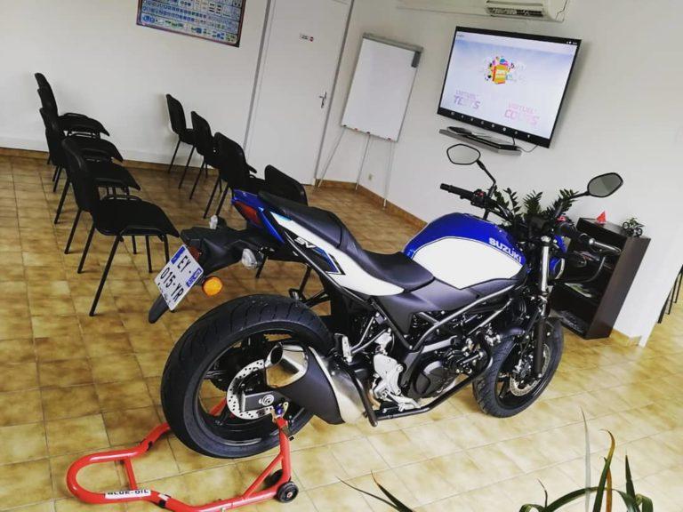 moto en salle